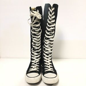c7b95fd33f Converse Chuck Taylor Tall Sneakers Size W7 or M5